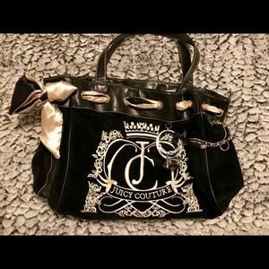 Juicy Couture purse with matching wallet!! 🖤